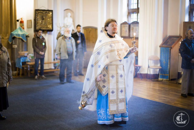 Архиепископ Амвросий совершил Божественную литургию в храме святых апостолов Петра и Павла в Парголово