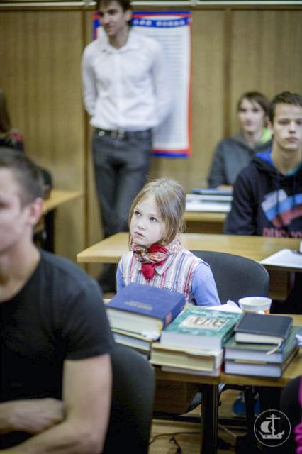 Выпускники Северского детского дома посетили Духовную академию