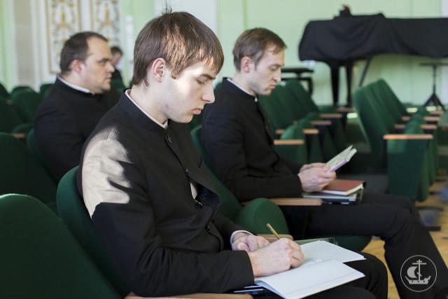 В Духовной академии состоялся семинар, посвящённый социальному служению с детьми-сиротами