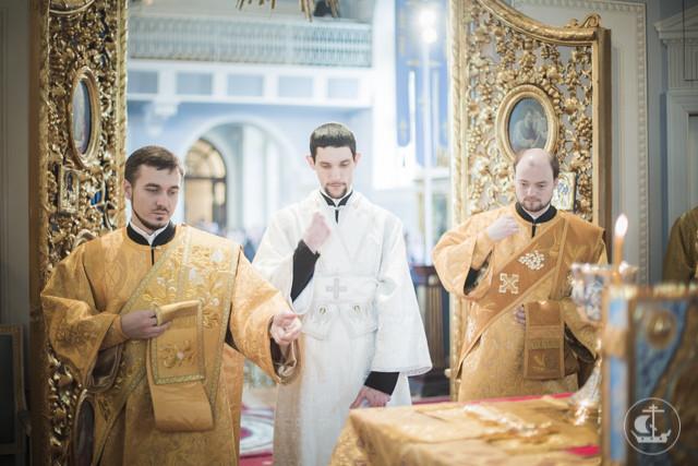В академическом храме апостола и евангелиста Иоанна Богослова совершена Божественная литургия и диаконская хиротония