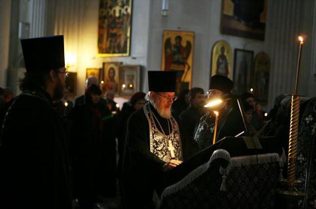 Чтение канона Андрея Критского в Измайловском соборе Санкт-Петербурга