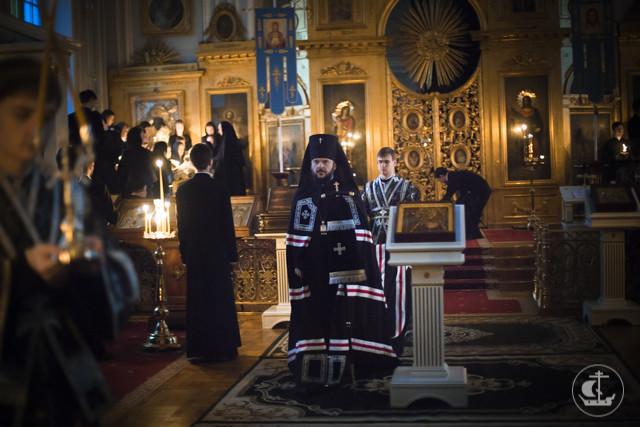 В храме апостола и евангелиста Иоанна Богослова совершены богослужения четверга первой седмицы Великого поста