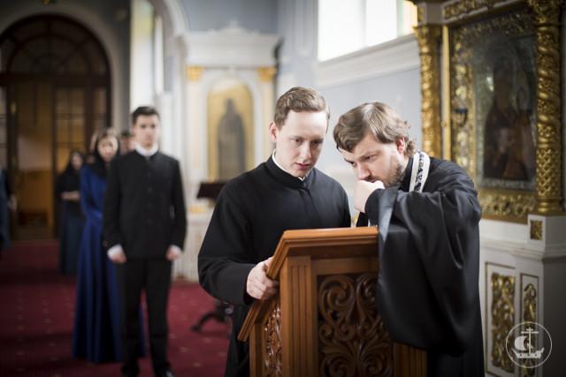 Архиепископ Амвросий совершил Литургию Преждеосвященных Даров и молебен великомученику Феодору Тирону