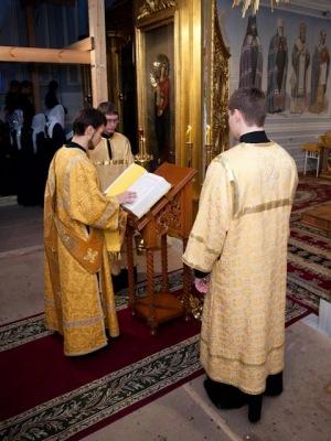 02.01.2011_liturgiya_0009