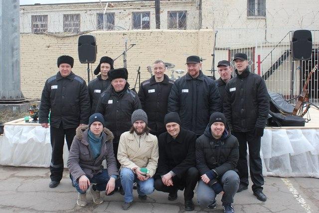 Учащиеся Санкт-петербургской духовной академии поздравили с Пасхой заключенных
