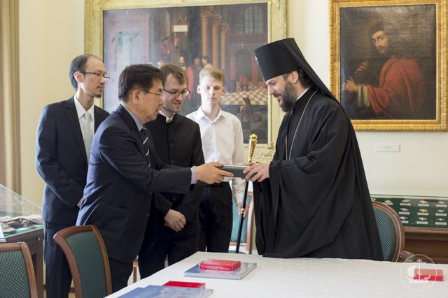 Санкт-Петербургскую духовную академию посетила делегация из Южной Кореи