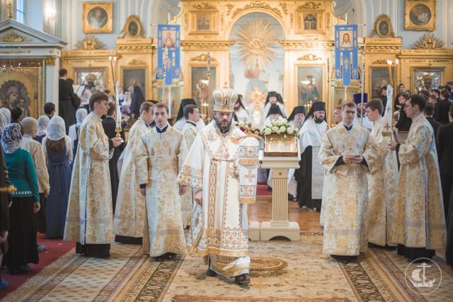 Духовная академия молилась накануне дня перенесения мощей святителя Николая