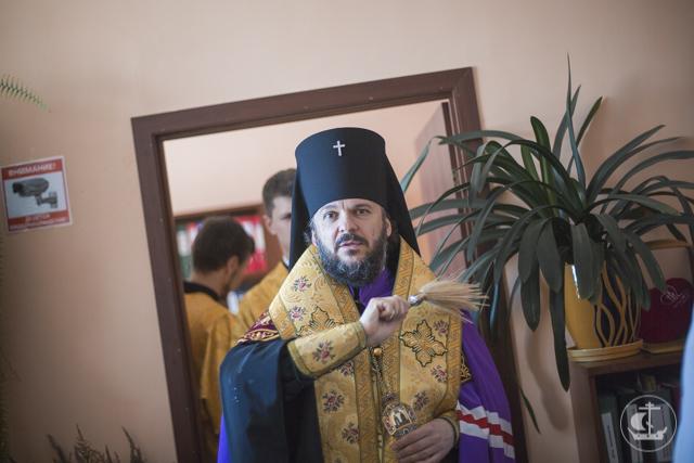 Священнослужители духовнойакадемии совершили чин освящения городской поликлиники