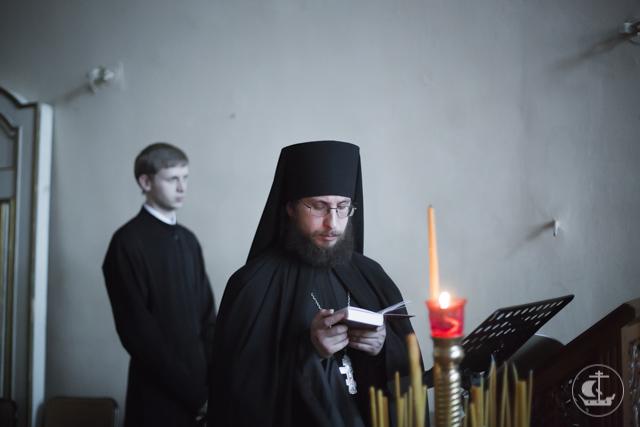 «Лучи, просвещающие Русскую землю». Духовная академия почтила память всех Русских святых