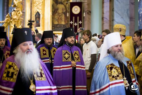 Архиепископ Петергофский Амвросий принял участие в Божественной литургии в Петропавловском соборе Петропавловской крепости