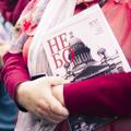 5000 экземпляров «НЕвского БОгослова» подарено участникам крестного хода в честь Александра Невского