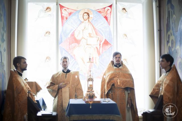 В трех академических храмах прошли богослужения 15-ой недели по Пятидесятниц