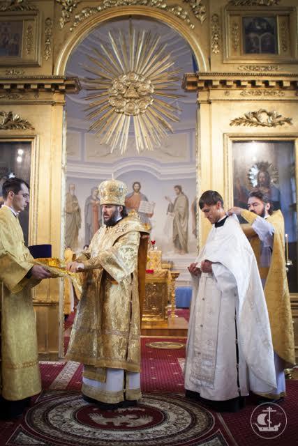 Два архиерея совершили Литургию в академическом храме