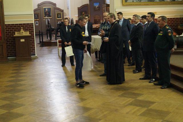 Преподаватель академии благословил призывников на служение Родине