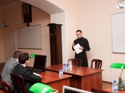 Завершилась вторая сессия круглого стола «Наука и Церковь в контексте глобальных процессов»
