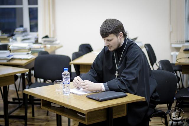 Учащиеся заочного отделения защитили выпускные квалификационные работы