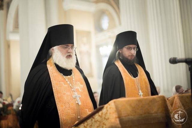 Выпускник магистратуры Духовной Академии иеромонах Антоний (Простихин) избран во епископа