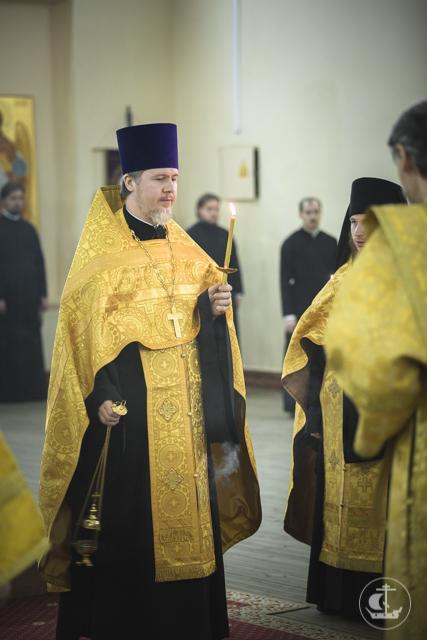 «Помните, что вы являете лицо Церкви и Православия»: накануне зимних каникул владыка ректор обратился к студентам Академии с напутственным словом