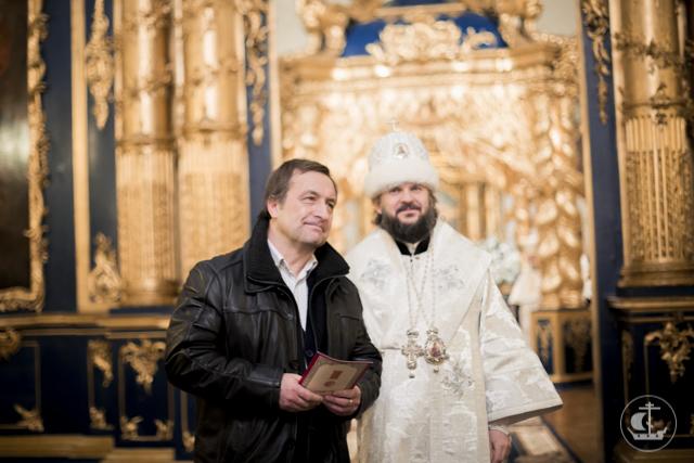 Архиепископ Амвросий возглавил богослужение в Николо-Богоявленском морском соборе накануне престольного праздника