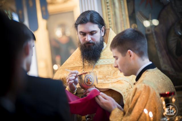 В трех храмах Академии прошли богослужения 35-ой по Пятидесятнице