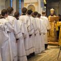 За воскресным всенощным бдением епископ Амвросий постриг во чтецов десять студентов академии