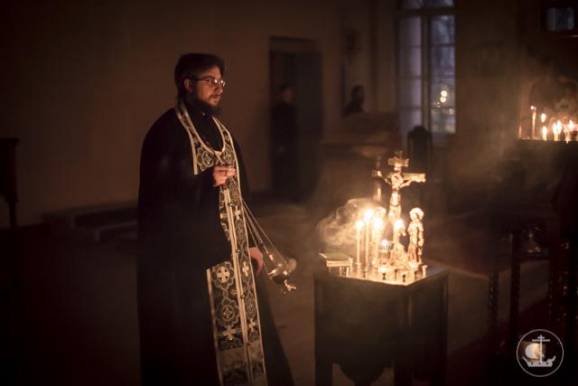Первая часть Великого канона прочитана в храмах Духовной Академии
