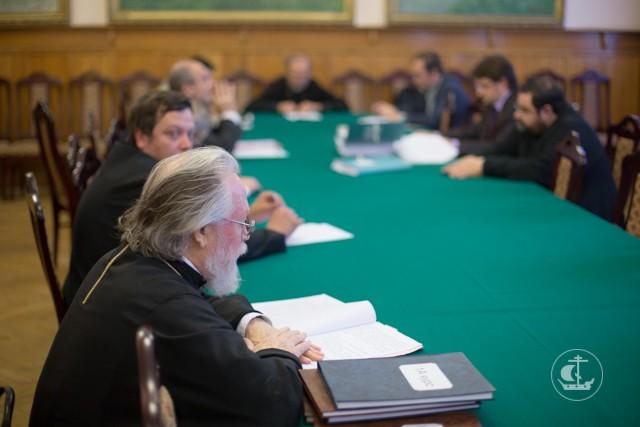 В СПбПДА прошло заседание кафедры церковно-исторических дисциплин, в ходе которого была защищена магистерская диссертация