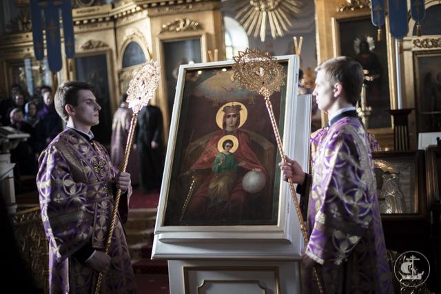 Учищиеся Духовной Академии приступили к Таинству Святой Евхаристии