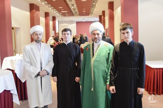 Преподаватель и студенты академии приняли участие в конференции, посвященной российскому исламу