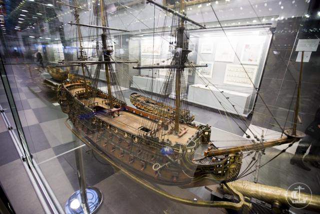 «Там среди шумного моря вьется Андреевский стяг…». Учащиеся Академии посетили военно-морской музей
