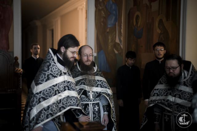 Последняя в этом году Литургия Преждеосвященных Даров прошла в академических храмах