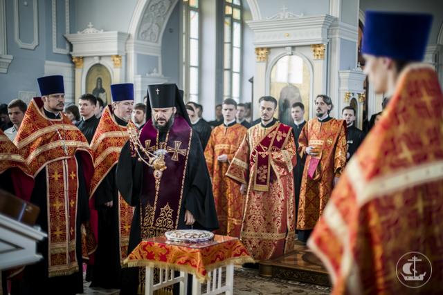 В День Победы 9 мая в Духовной Академии совершены благодарственный молебен, Крестный ход и поминовение жертв Великой Отечественной войны