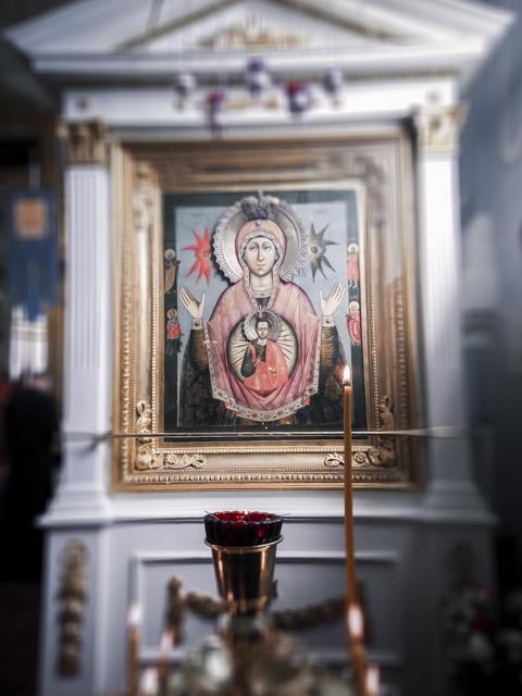 В Неделю Жен-мироносиц за Божественной литургией молились инвалиды-колясочники