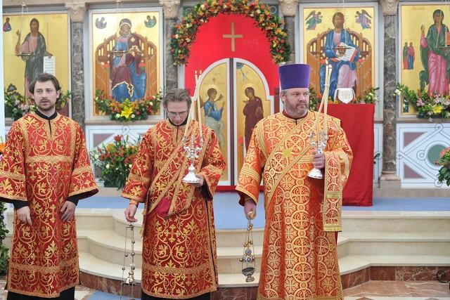 Преподаватель Духовной Академии сослужил при чине великого освящения храма в честь равноапостольной Марии Магдалины в Мадридем