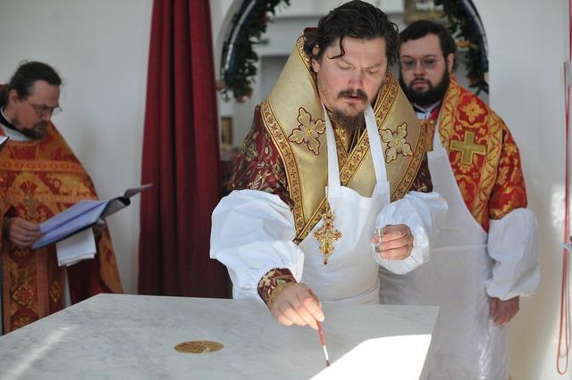 Преподаватель Духовной Академии сослужил при чине великого освящения храма в честь равноапостольной Марии Магдалины в Мадриде