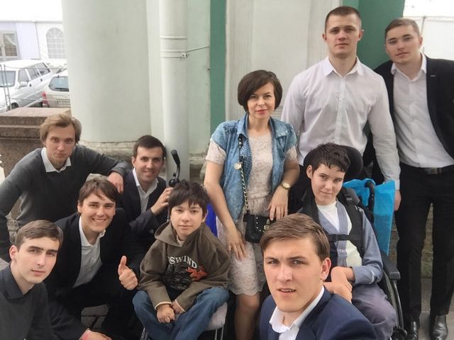 Студенты Духовной Академии сопровождали детей-инвалидов на экскурсии в Эрмитаж