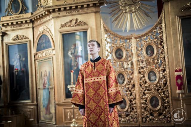 В годовщину своей диаконской хиротонии архиепископ Амвросий рукоположил во диакона студента магистратуры
