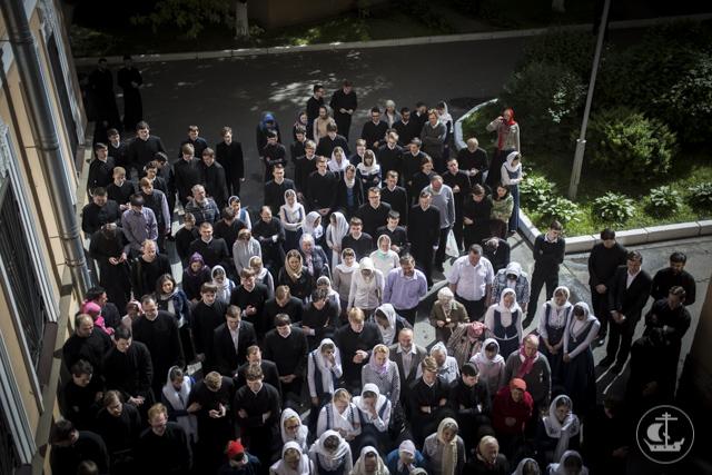 За Литургией в академическом храме молились гости из Черногории