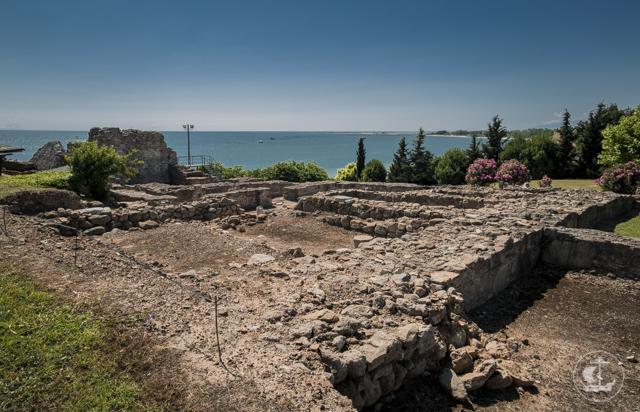 Находящиеся в Греции ректор и студенты Духовной Академии встретились с игуменом Ватопедского монастыря