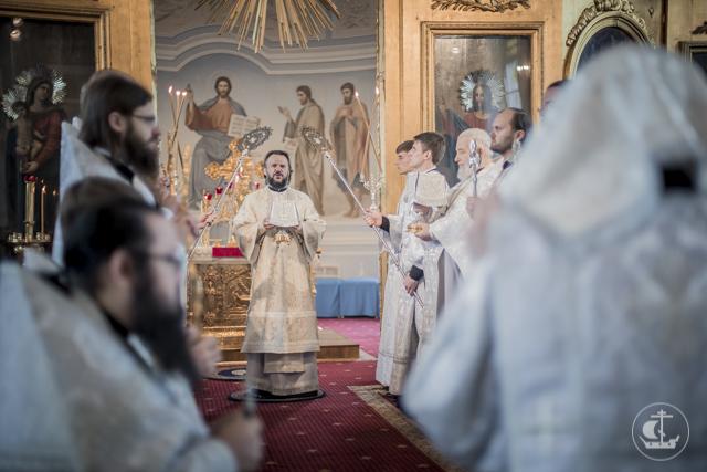 В день памяти святых отцов I Вселенского Собора в академическом храме совершены священническая и диаконская хиротонии