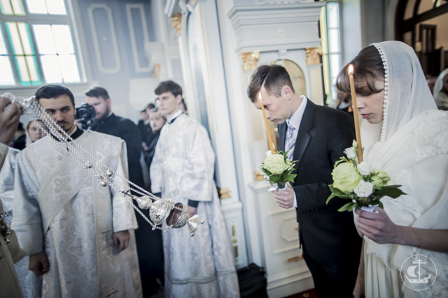 Архиепископ Амвросий совершил чин обручения учащихся Духовной Академии