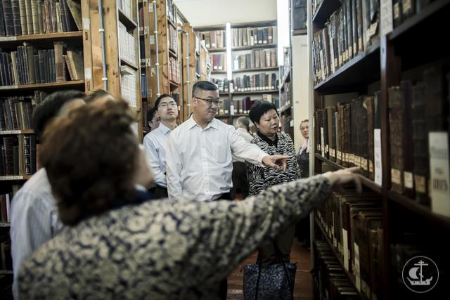Делегация Государственного управления КНР по делам религий посетила Духовную Академию