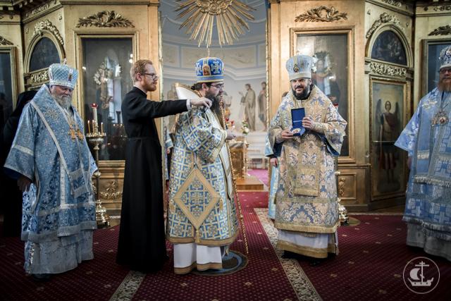 Предстоятель Церкви Чешских земель и Словакии совершил Божественную литургию в Духовной Академии в День знаний