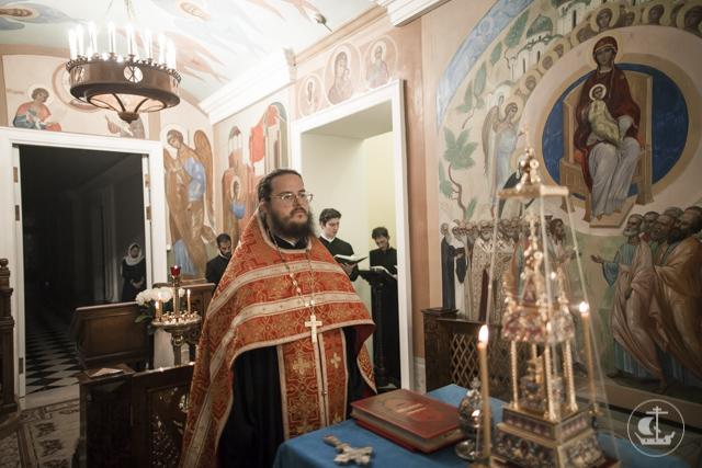 Архиепископ Амвросий постриг во чтецов 14 студентов Академии