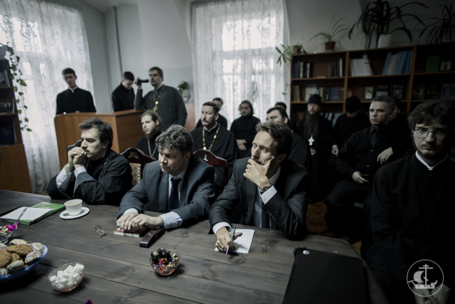 В Санкт-Петербургской Духовной Академии прошел круглый стол«Публикации в научных журналах. Современное состояние и перспективы»