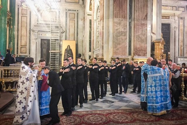 Хор «Пахомий Логофет» спел Литургию в Духовной Академии