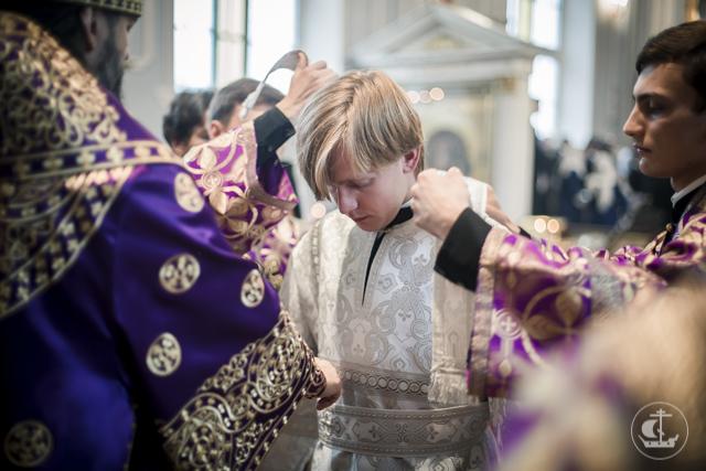 Академия почтила День Всемирного Воздвижения Честного и Животворящего Креста Господня