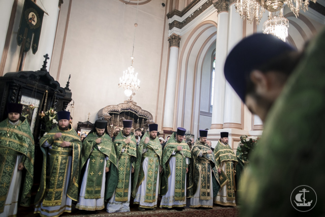 Архиепископ Амвросий сослужил митрополиту Варсонофию в кафедральном храме Гатчинской епархии