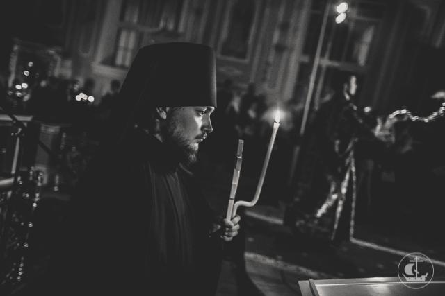 Накануне Недели по Крестовоздвижении дня всенощное бдение совершено во всех академических храмах