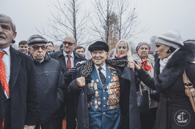 В Тихвине почтили годовщину трагической смерти 2000 детей блокадного Ленинграда